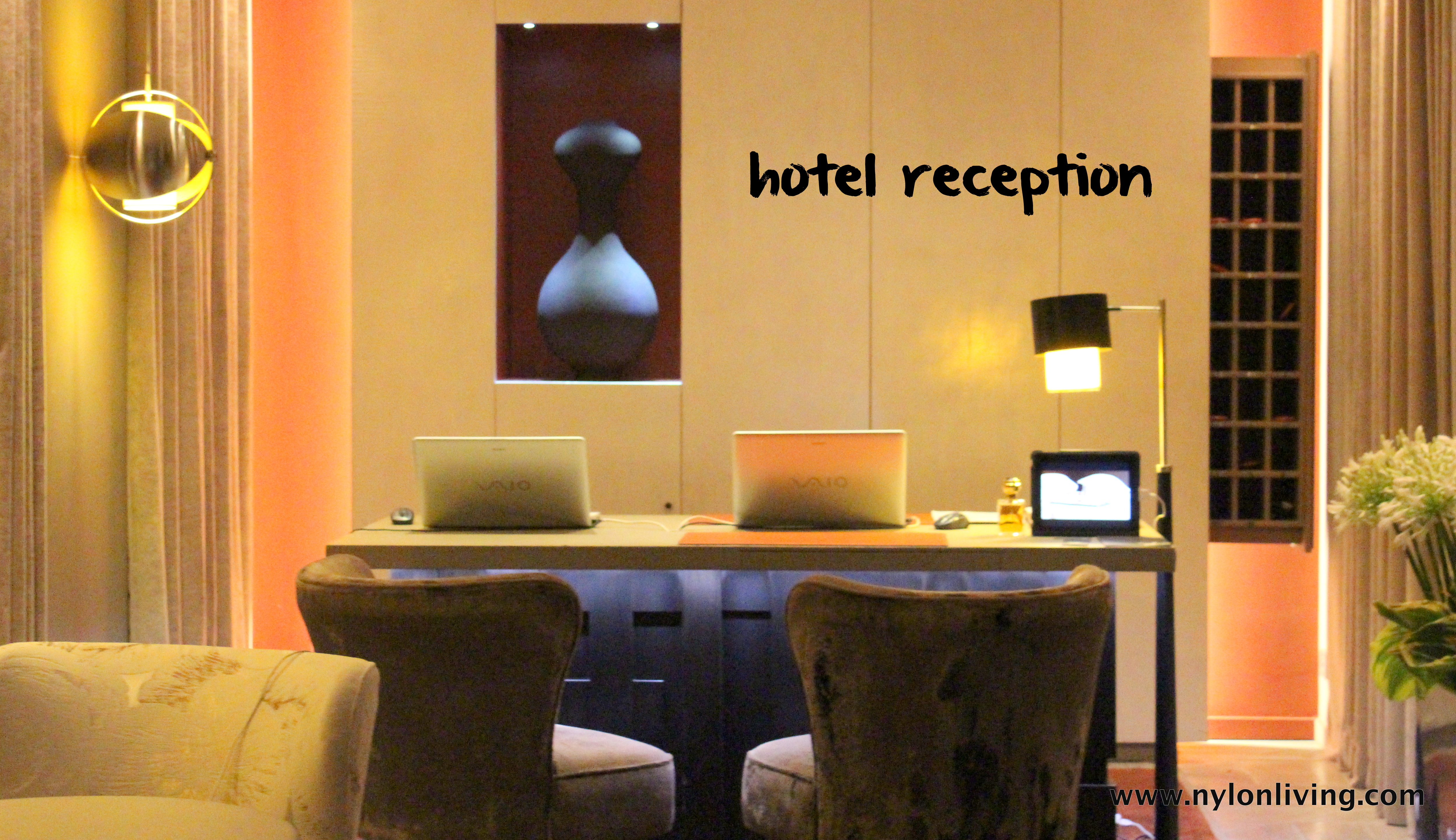 Hotel review le pavillon des lettres for Very small hotels