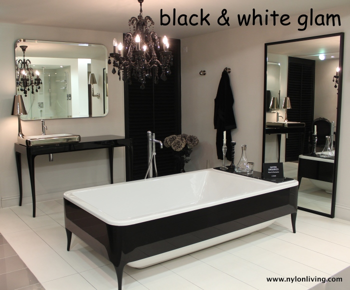 black_white_bathroom