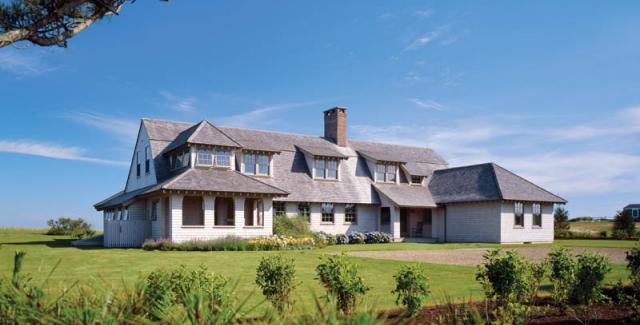 photo:  New England Home Magazine; Albert, Righter & Tittman Architects