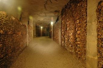 paris catacomb room