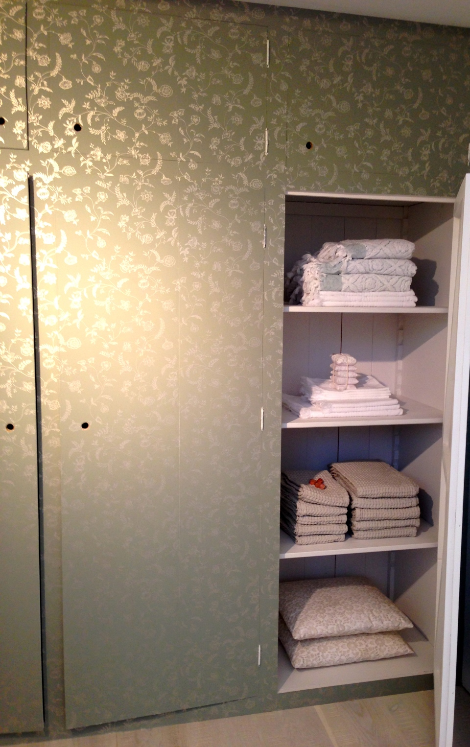 wallpaper cupboard