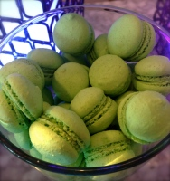 pistachio macaroons