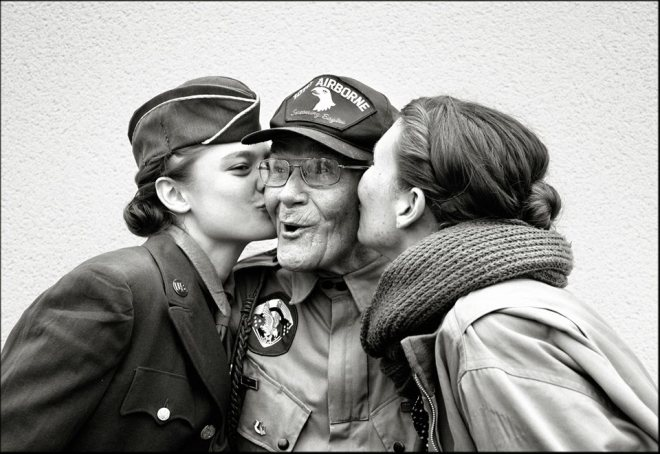 d-day anniversary kiss