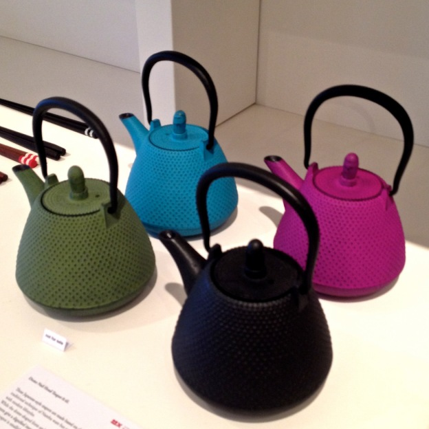 wagumi coloured teapots
