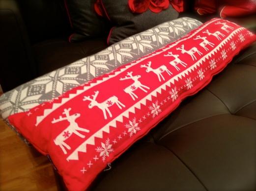 scandinavian pillow