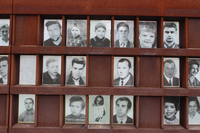 photos of people killed at berlin wall