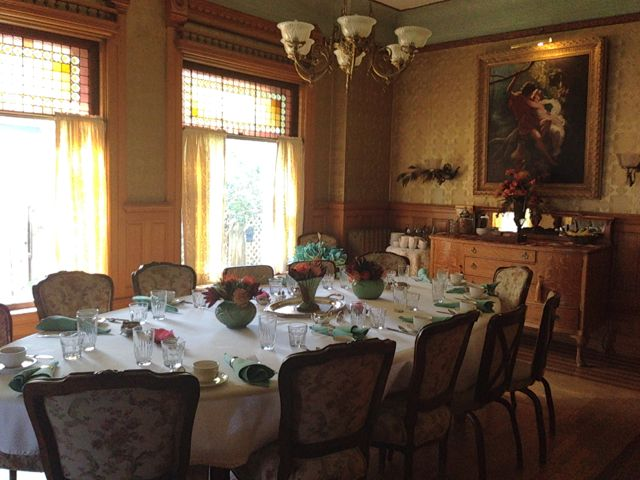 warren angle dining room