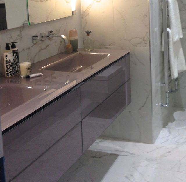 Artilinea vanity unit